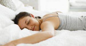 Miegojimo poza ant pilvo (Sveikiausia poza)