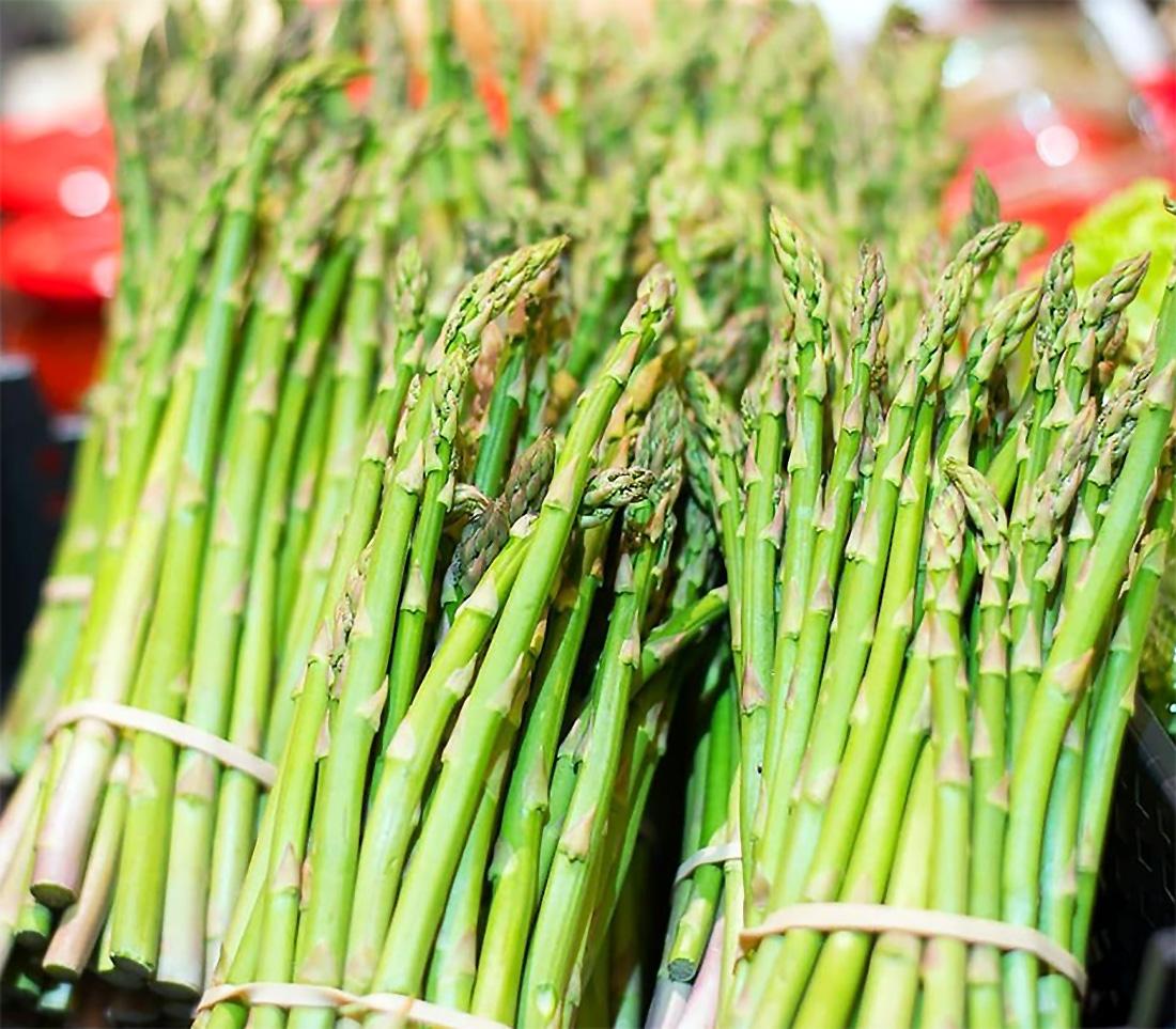 Žalieji šparagai (asparagus)